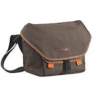 Kaikkialla Kluuvi M Laptop Bag 15, Brown