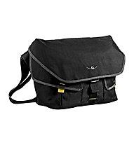 Kaikkialla Kluuvi M Laptop Bag 15, Black