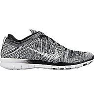 Nike Free TR 5 Flyknit - scarpa ginnastica donna, Black/Wolf Grey